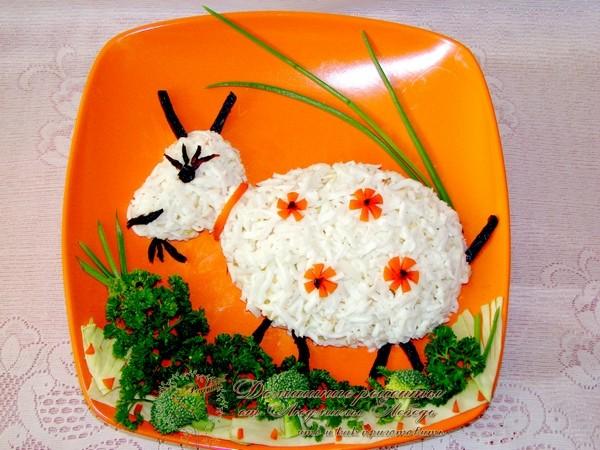 "Новогодний салат. ""Коза"" 2015"