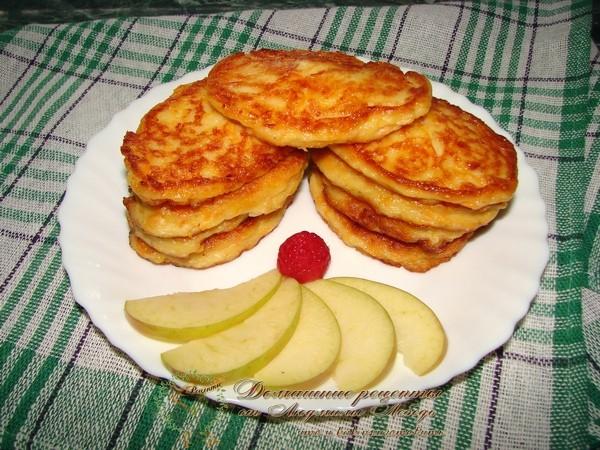 Что приготовить из тыквы вкусное. Оладьи из тыквы рецепт с яблоком и творогом
