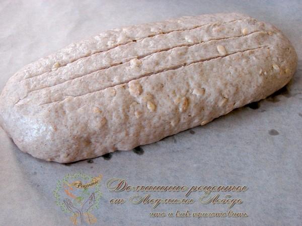 Как приготовить домашний хлеб в духовке. Ржаной хлеб с овсяными хлопьями.