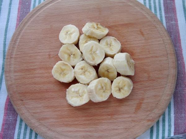 Как приготовить смузи в блендере. Смузи с бананом, яблоком и малиной