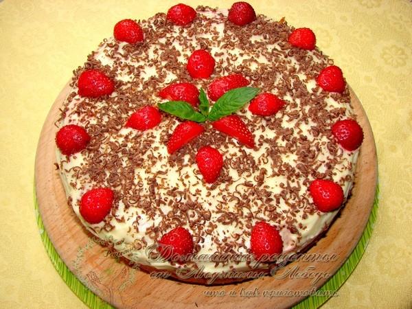 Как приготовить: Бисквитный торт с клубникой